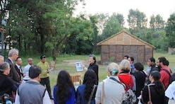 Shigeru Ban arrives in Ecuador to train locals in relief architecture