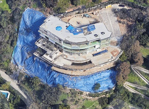 Mohamed Hadid's controversial 30,0000 sqft construction site at 901 Strada Vecchia in Bel Air. Image: Google Maps.
