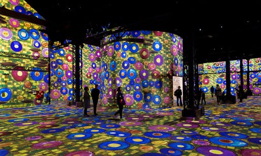 The La Halle space at Atelier des Lumières, Paris. Image: E Spiller.