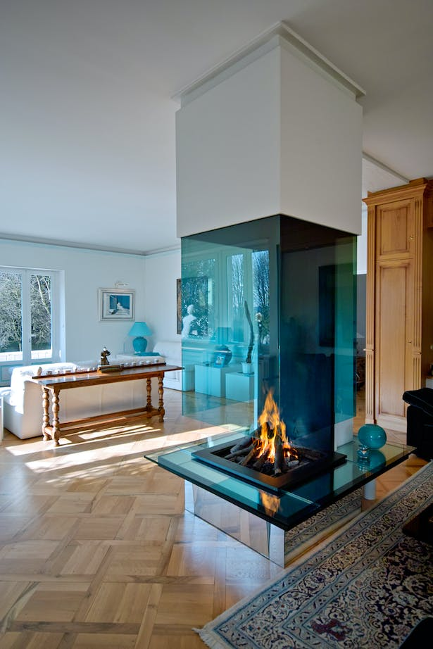 Bloch Design suspended fireplace 3
