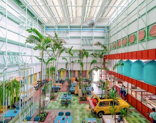 2019 Architectural League Prize - Taller KEN | Madero Restaurant, Highway Roosevelt, Guatemala City, 2015. Image credit: Marcelo Guitterez.