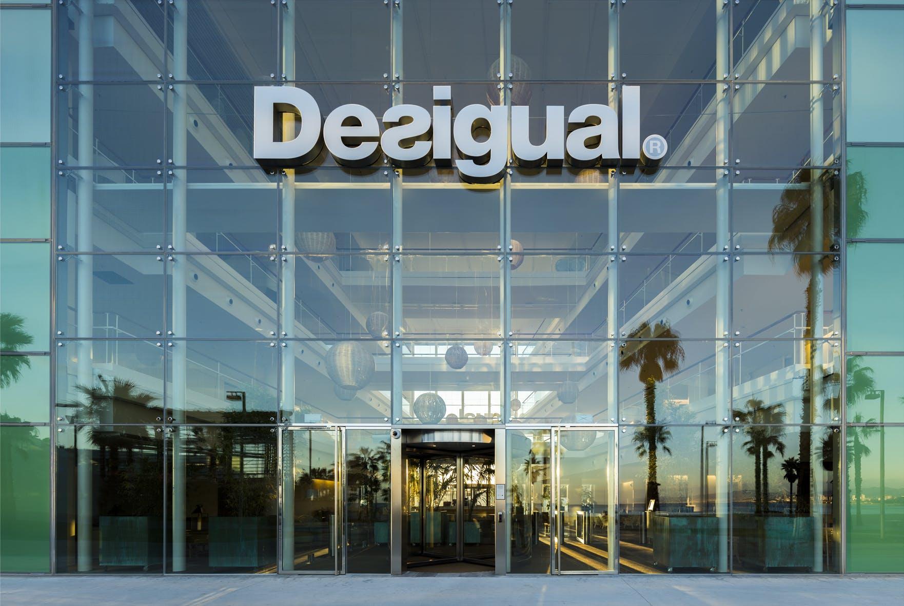 Desigual headquarters ricardo bofill taller de for Oficina qualitas auto barcelona