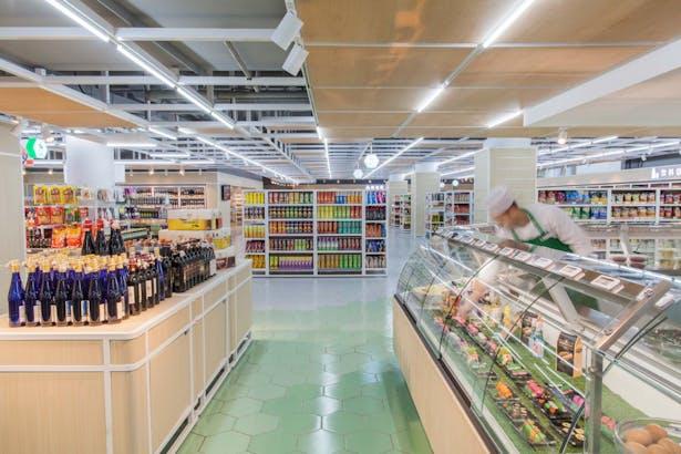 LATITUDE-market-11-take-away-area
