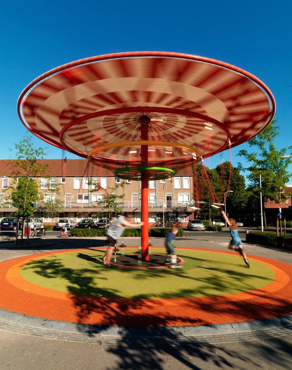 Finding playground potential in the Energy Carousel in