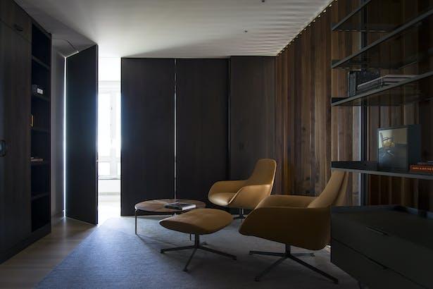 Lounge - Closed 03