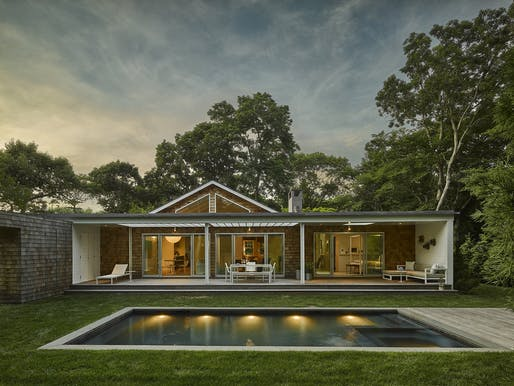 East Hampton Cottage by Murdock Solon Architects. Image courtesy of Murdock Solon Architects.