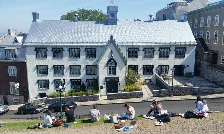 Sketching school in Quebec City. Photo by David Covo.