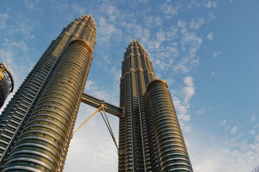 César Pelli, the architect behind iconic buildings like the Petronas Towers in Kuala Lumpur, has passed away. Image courtesy of Wikimedia user Luke Watson.