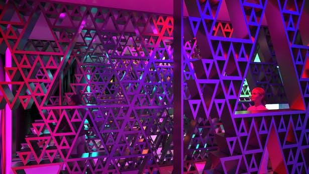 Even more fractal walls