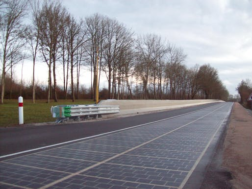 A stretch of the experimental solar road in Tourouvre, France on its auguration day, December 22nd, 2016. Photo: Wikimedia Commons.
