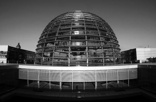 Berlin's Reichstagsgebäude