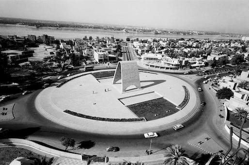Rifat Chadirji's Monument to the Unknown Soldier in Baghdad. Image © Rifat Chadirji.