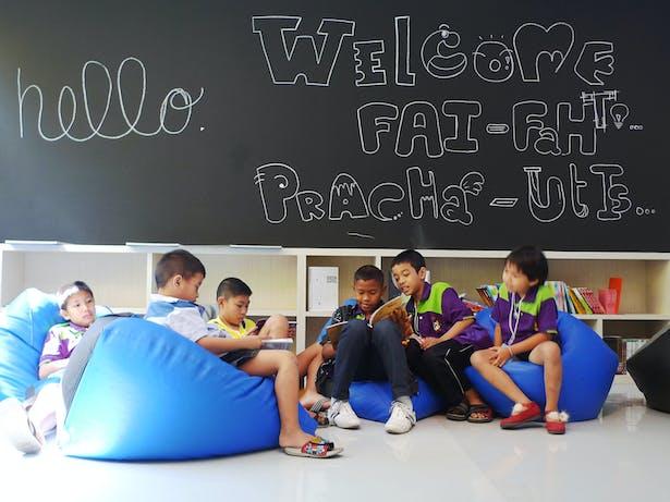 Fai Fah Kids at the Library