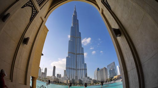 No self-respecting tall-building roundup without the world's tallest building, the Burj Khalifa in Dubai. Photo: Hans-Jürgen Schmidt.