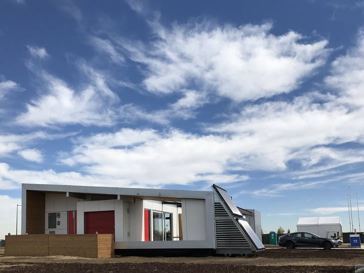 Exterior of the University of Las Vegas, Nevada's Sinatra Living competition house for the U.S. Department of Energy Solar Decathlon 2017. (Credit: Edwin Rodriguez Ubiñas/U.S. Department of Energy Solar Decathlon)