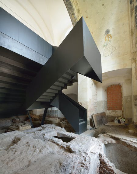 Staircase and archaeological work. Photo by Miran Kambič