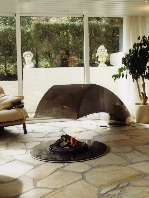 Bloch Design central fireplace