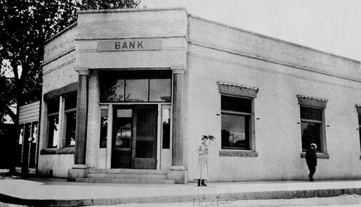 Who robs a brick-and-mortar bank in the era of cybercrime? Image: historical.fresnobeehive.com.