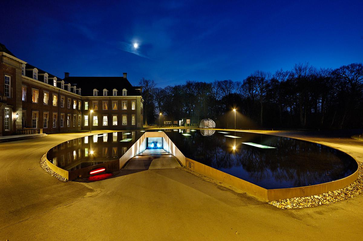 Garage Roos Almere : James bond style pond and parking garage entrance by hosper