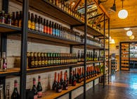 COMMERCIAL WINE BAR & MARKET PATAGONIA May, 2016