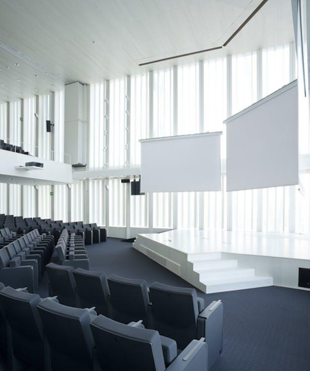 Auditorium 02
