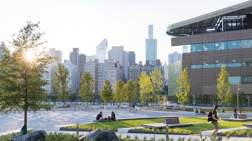 Campus view at ground level, with views of the Manhattan skyline; 2017. Photo © Iwan Baan.