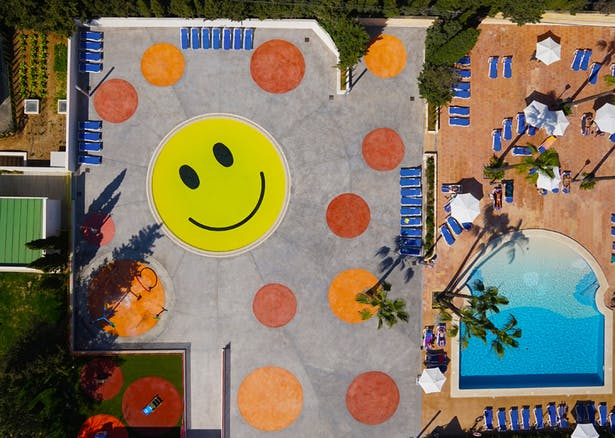 Smile Pool by A2arquitectos