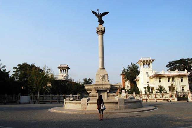 Monument on Marco Polo Square in Tianjin (via Wikipedia).