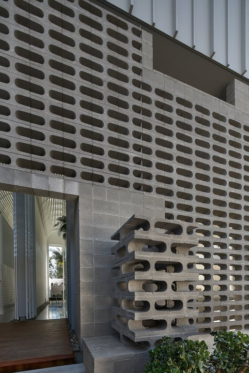 Mermaid Multihouse by Partners Hill with Hogg & Lamb   Queensland. Photo: Alex Chomicz.