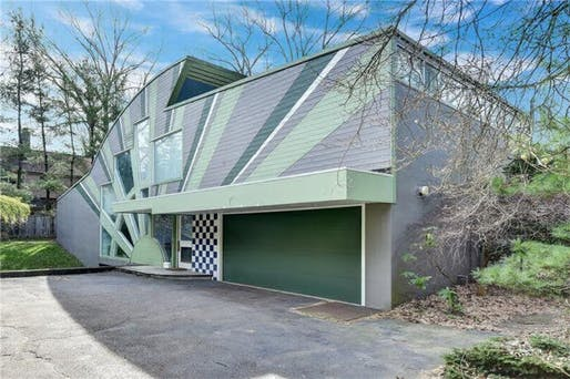 The Venturi, Rauch, and Scott Brown-designed Abrams House. Image: realtor.com, via docomomo-us.org.