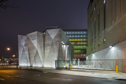 Photo of the Manhattan District 1/2/5 Garage and Spring Street Salt Shed designed by Dattner and WXY. Image courtesy of Albert Vecerka / Esto.