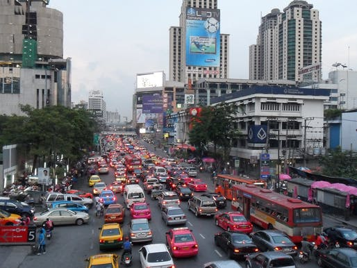Rapid economic growth and sharp increases in vehicle ownership have made Bangkok notorious for its frequent traffic jams. Photo: Wikimedia Commons user Milei.vencel.