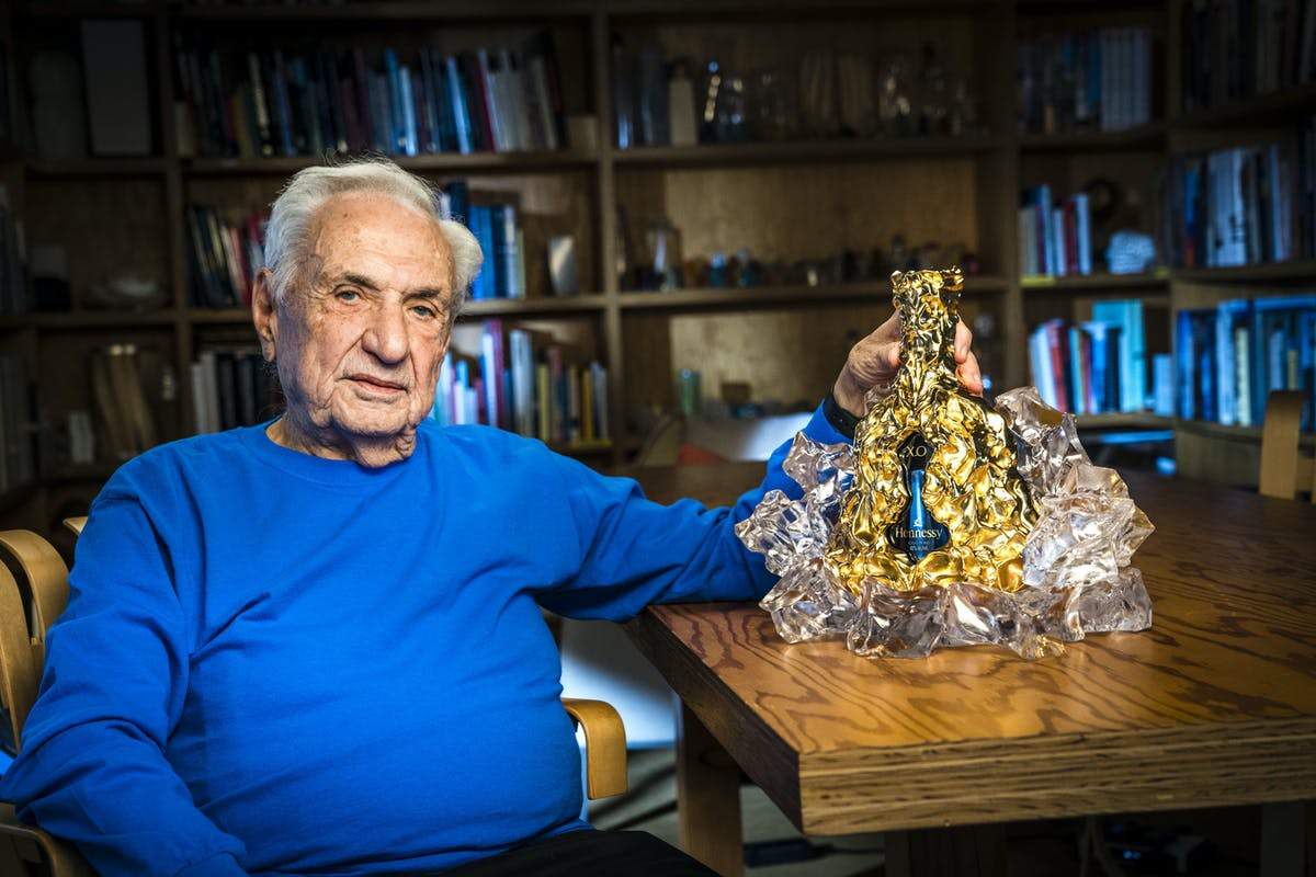 """Frank Gehry designs """"masterpiece decanter"""" for Hennessy X.O. 150th  Anniversary 