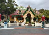 Disneyland Resort Anaheim, Meet Mickey Building Roof Replacement
