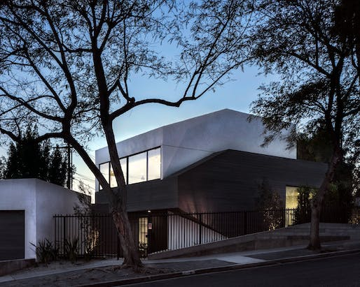 MULTI-UNIT RESIDENTIAL - SMALL (up to 20 units) - Merit: HI55 (Los Angeles, CA) by Arshia Architects, LTD. Photo: Paul Vu.