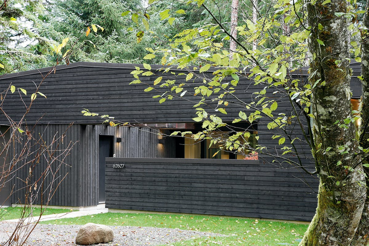 Courtyard House On A River Robert Hutchison Architecture
