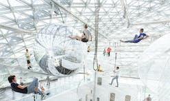 in orbit - Tomás Saraceno's gigantic floating installation