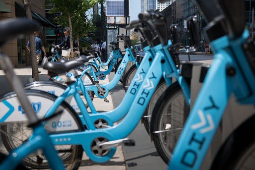 The City of Chicago announced that it would offer $5/year memberships for its Divvy bike-share program for low-income residents. Credit: Wikipedia