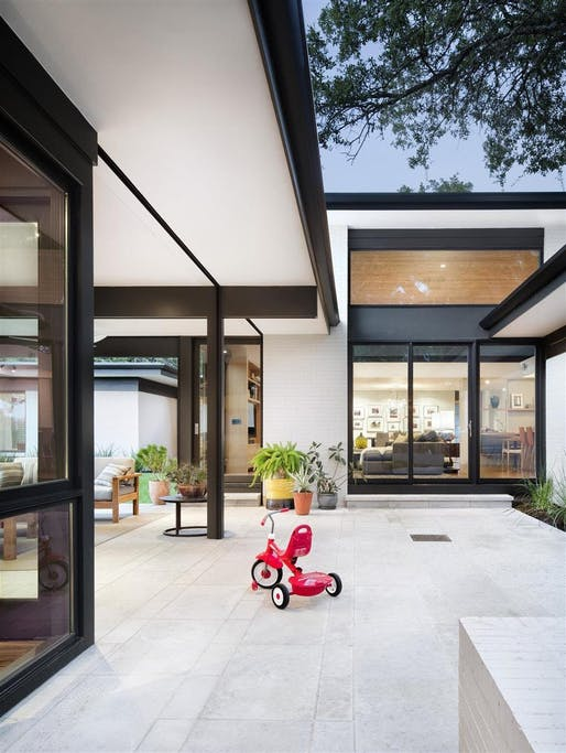 Three-Court Residence in Austin, TX by A Parallel Architecture