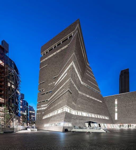 Tate Modern. Structural Designer: Ramboll. Architect: Herzog & de Meuron. Image © Daniel Shearing, Kai Richter