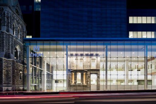 CannonDesign + Neuf Architect(e)s, Centre Hospitalier de l'Université de Montréal (CHUM). Photo courtesy 2017 Archmarathon Awards.