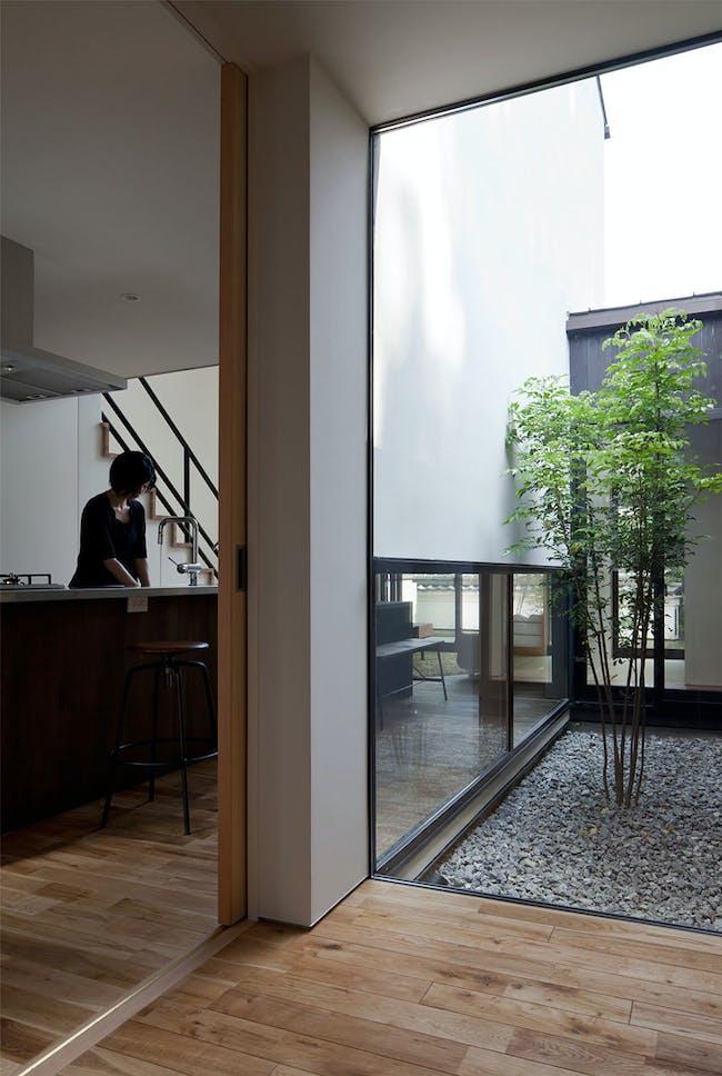 NIU House in Ikoma, Nara, Japan by Yoshihiro Yamamoto; Photo: Yohei Sasakura / SASANOKURASHA