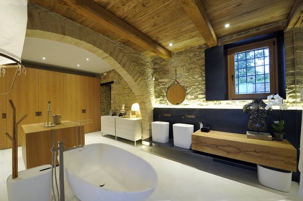 Main Bath / dressing