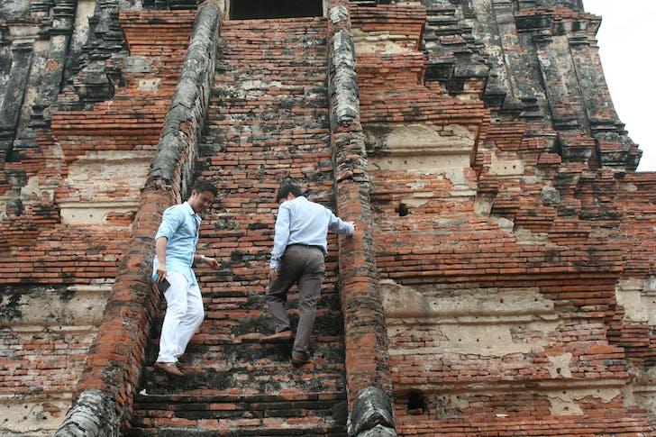 Pomeroy visits Wat Chaiwattanaram in Thailand. Image courtesy of Pomeroy Studios.