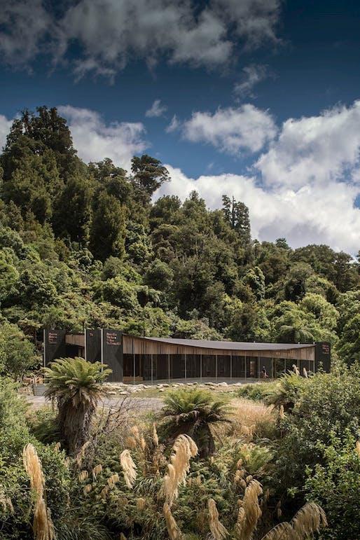 Te Wharehou o Waikaremoana, Tennent+Brown Architects. Photo: Andy Spain.