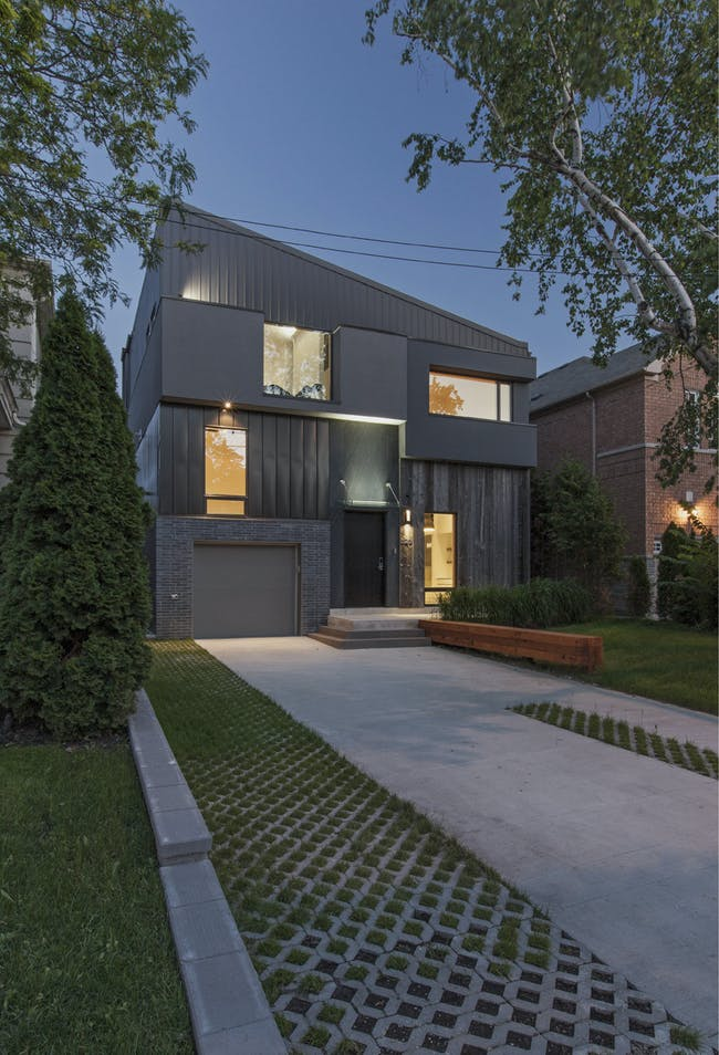 Tetris House in Toronto, Canada by rzlbd; Photo: borXu Design