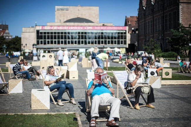 The new public space in use. Photo: Dominik Werner.