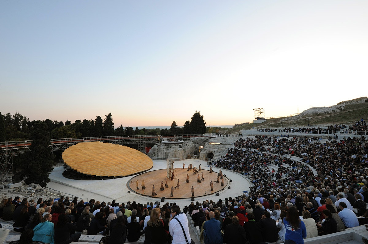 ancient greek theater essay example Encourage them to visualize the occasion in detail and to dramatize the experience by reporting, for example, how they got to the theater sophocles' antigone: ancient greek theatre, live from antiquity return to ancient athens for the world premier of antigone, a play by sophocles.