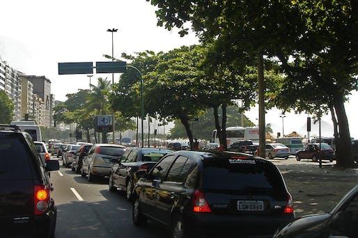 A traffic jam in Rio de Janeiro, image via wikimedia.org