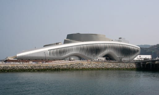 ONE OCEAN Thematic Pavilion for the 2012 Yeosu EXPO by soma (Photo: soma)